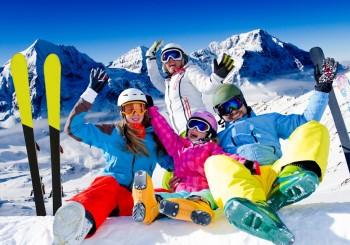 Wintersport mit Helm